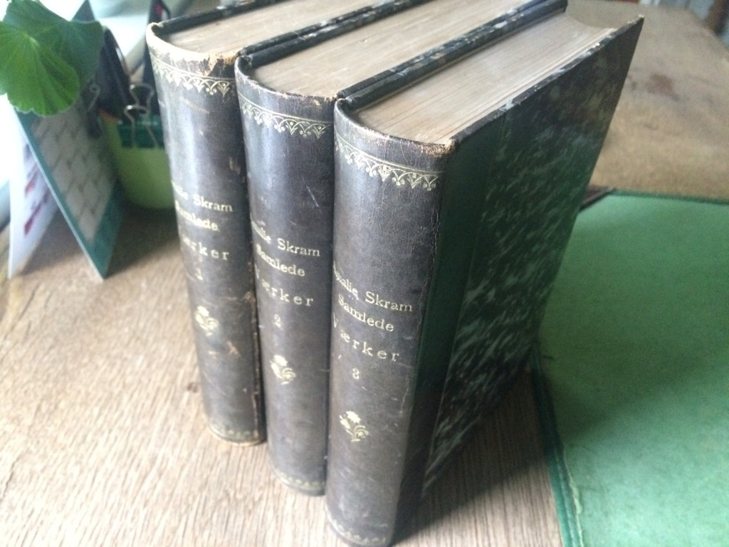 Amalie Skrams samlede værker i tre bind.
