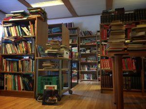 Mange bøger og god service
